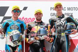 Podium : le vainqueur Brad Binder, Red Bull KTM Ajo Moto2, le deuxième, Joan Mir, Marc VDS Moto2, le troisième, Luca Marini, Sky Racing Team VR46 Moto2