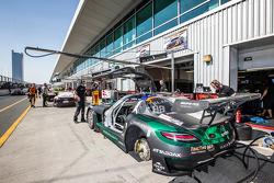 #2 Блек Фалкон Mercedes SLS AMG GT3: Абдулазіз аль-Фейсал, Хуберт Хаупт, Йелмер Бурман, Олівер Уєбб