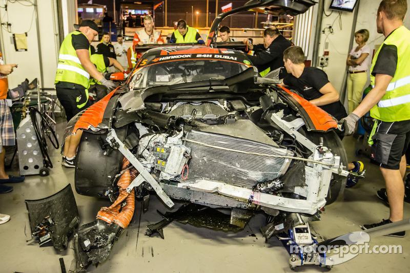 #5 Car Collection Motorsport Mercedes SLS AMG GT3 back в pit з heavy damage