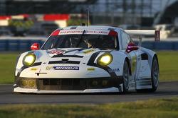 #911 Porsche North America Porsche 911 RSR: Нік Тенді, Марк Ліб, Патрік Пилі