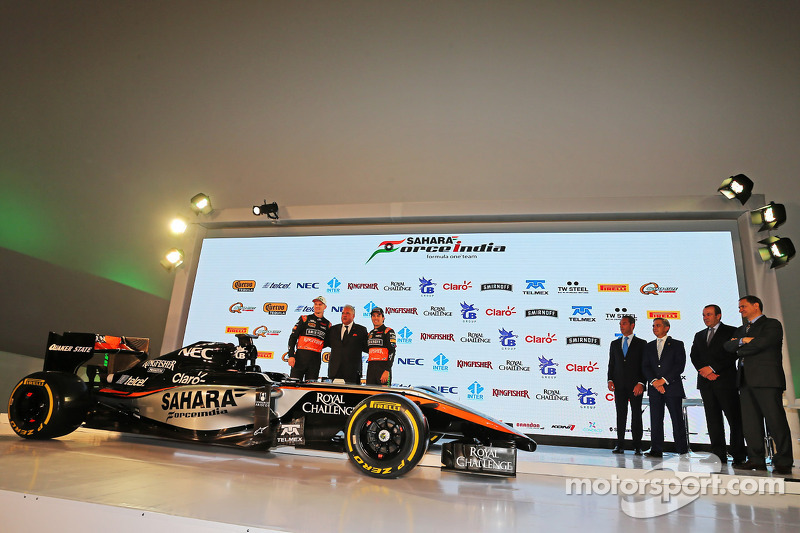 (da sinistra a destra): Nico Hulkenberg, Sahara Force India F1 con Dr. Vijay Mallya, titolare della Sahara Force India F1 Team e Sergio Perez, Sahara Force India F1