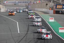 Pace-Lap: #97 GDL Racing, Porsche 991 Cup: John Iossifidis, Wee Lim Koeng, Michael Spiridinov, Melvin Moh
