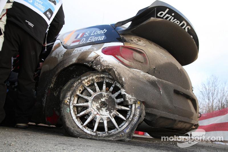 Sébastien Loeb und Daniel Elena, Citroën DS3 WRC, Citroën Total Abu Dhabi World Rally Team, in Schwierigkeiten