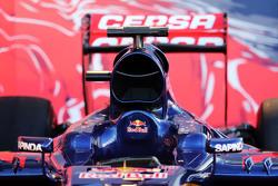 Scuderia Toro Rosso STR10, Motorhaube und Cockpit, Detail