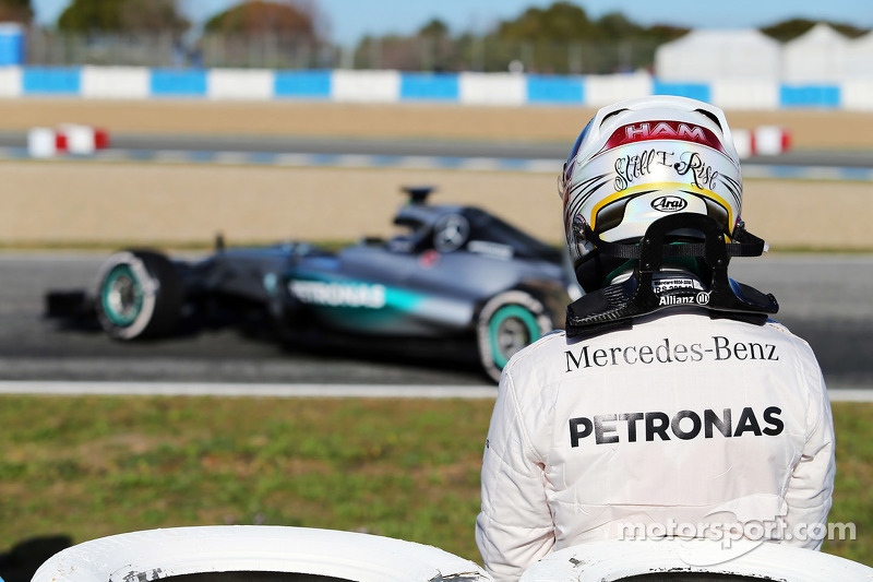 Lewis Hamilton, Mercedes AMG F1 W06 stops on the circuit