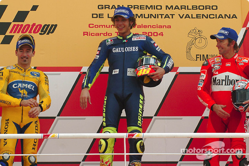 Podium: ganador, Valentino Rossi con Max Biaggi y Troy Bayliss