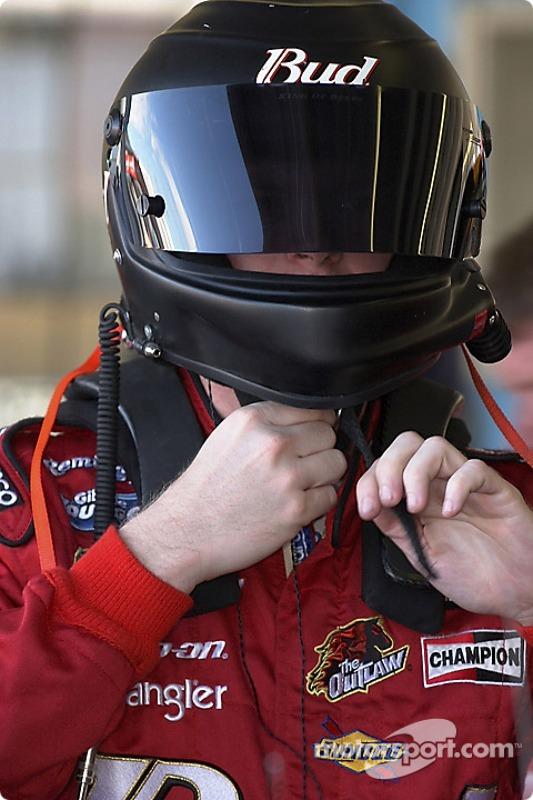 Dale Earnhardt Jr. se prépare