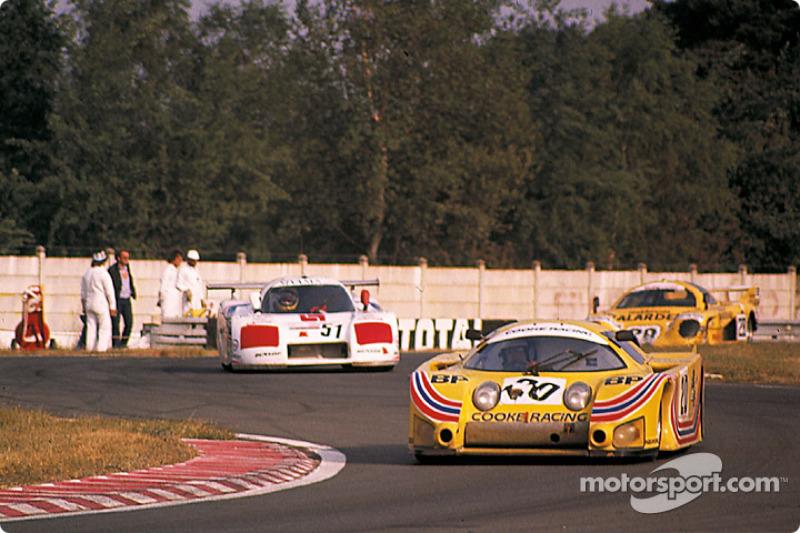 #20 Cooke Racing Lola T610 Ford: Ralph Kent Cooke, Jim Adams, François Servanin