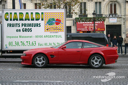 Parade on Champs-Elysées: Aston Martin was also part of the show