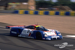 #24 Nissan Motorsport Nissan R89C: Julian Bailey, Mark Blundell, Martin Donnelly