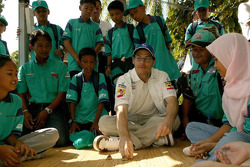 Visit of Karyaneka: Jacques Villeneuve