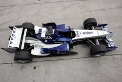 The Williams BMW FW27 sits on pitlane
