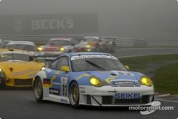 #83 Seikel Motorsport Porsche 996 GT3 RS: Philip Collin, Horst Felbermayer, Horst Felbermayer Jr.
