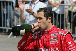 champagne for Luis Diaz