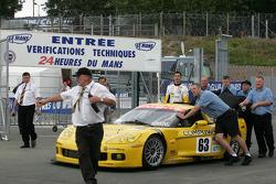 Corvette Racing Corvette C6-R at scrutineering