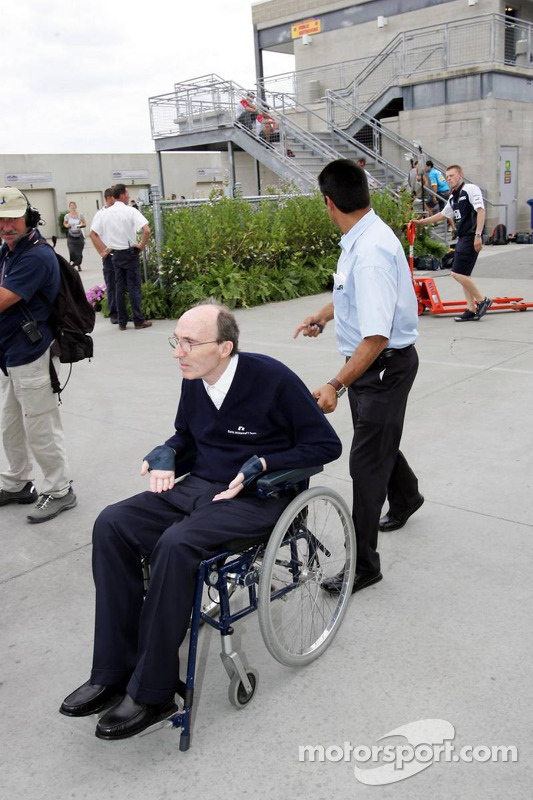Frank Williams abandona la pista