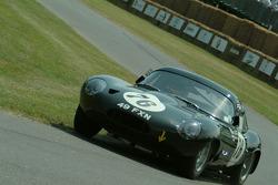 #76 1963 Jaguar E-Type Low Drag, class 7: Derek Bell
