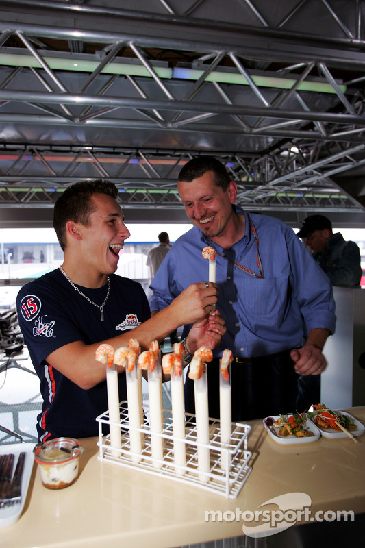 Red Bull Racing Chilled Thirstday part: Christian Klien y Gunther Steiner