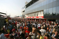 Fans during the pitwalk