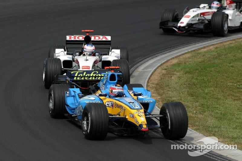 Fernando Alonso sin ala delantera