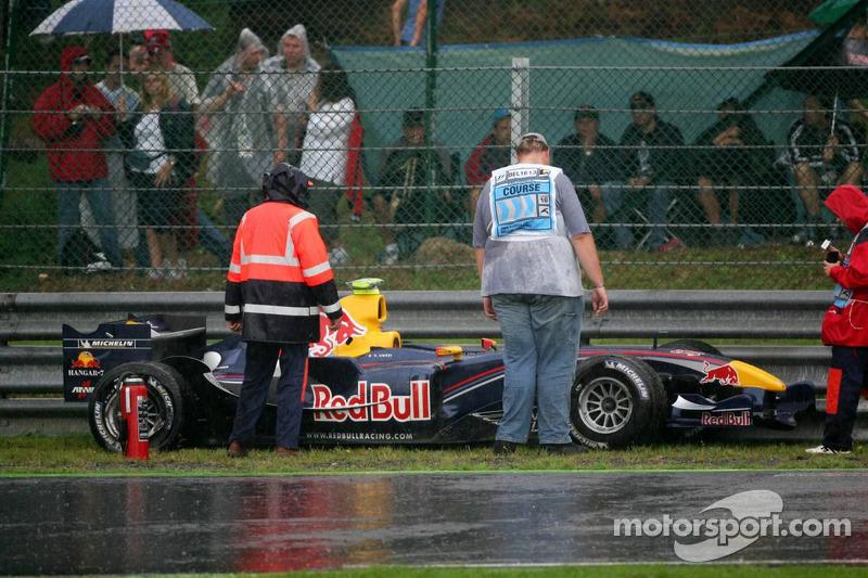 El coche de Vitantonio Liuzzi después de su giro