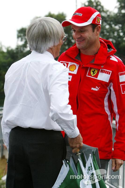Bernie Ecclestone y Rubens Barrichello