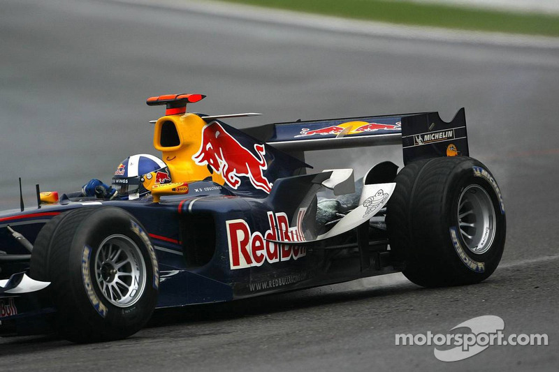 Problema de motor para David Coulthard