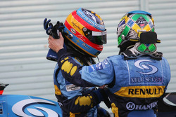 Fernando Alonso and Giancarlo Fisichella congratulate each others