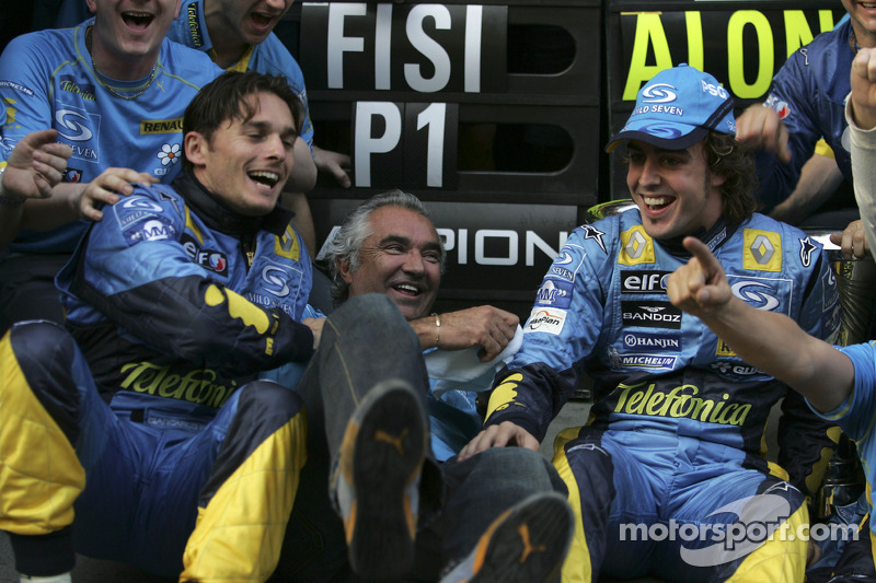 Giancarlo Fisichella, Flavio Briatore and Fernando Alonso celebrate world championship