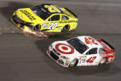 Matt Kenseth, Joe Gibbs Racing Toyota, Kyle Larson, Ganassi Racing Chevrolet