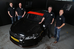 Aron Smith, Warren Scott, Jason Plato y Colin Tarkington unen fuerzas para hacer campaña la temporada 2015 BTCC.