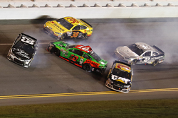 Brian Scott, Richard Childress Racing Chevrolet, Ryan Newman, Richard Childress Racing Chevrolet, Bobby Labonte, GoFAS Racing Ford, Danica Patrick, Stewart-Haas Racing Chevrolet en difficulté