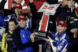 Race winner Dale Earnhardt Jr., Hendrick Motorsports Chevrolet with crew chief Greg Ives