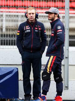 Carlos Sainz Jr, Scuderia Toro Rosso (sağ)