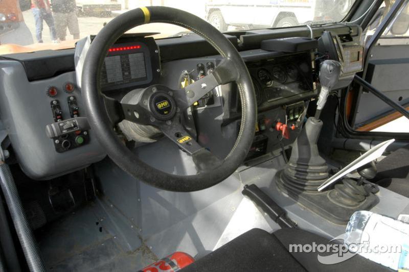 Equipe Dakar Sport: le cockpit du Team Dakar Sport Bowler
