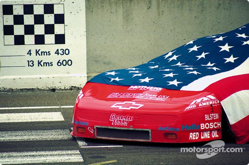 #30 American Corvette awaits the start
