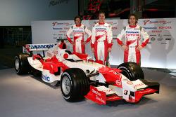 Ricardo Zonta, Ralf Schumacher and Jarno Trulli with the TF106