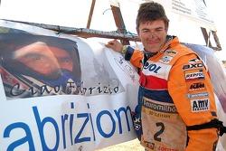 Los pilots del Dakar 2006 rinden tributo a Fabrizio Meoni