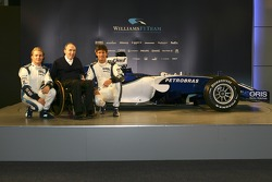 Frank Williams, Nico Rosberg y Mark Webber con el nuevo Williams FW28