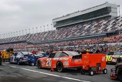 Kurth Busch and Tony Stewart cars on grid