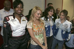 Fantasia, Jewel, Haylie and Hilary Duff
