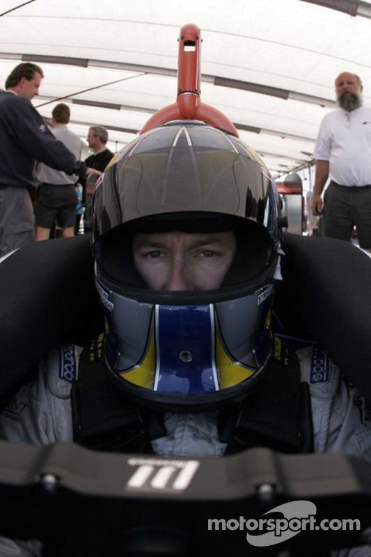 Jon Fogarty se prépare à tester la voiture Atlantique