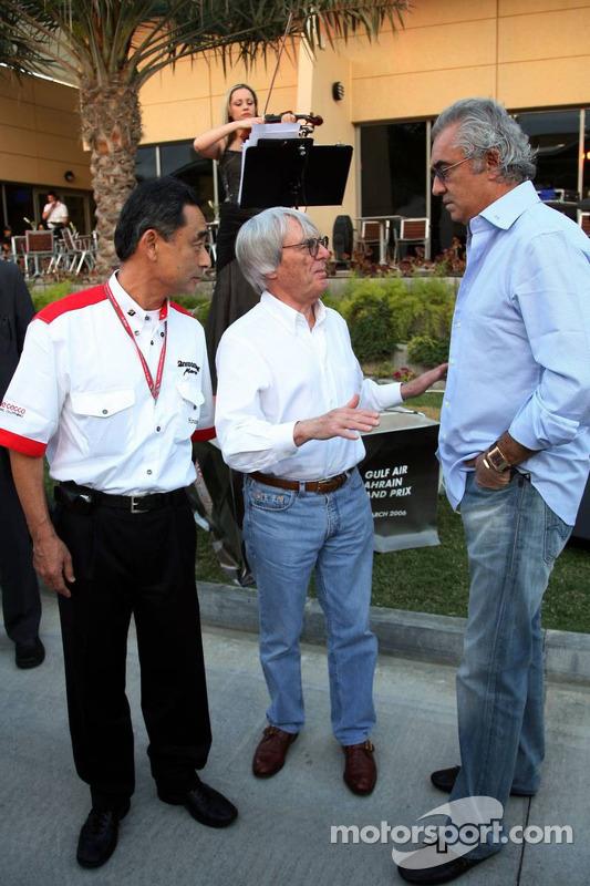Hiroshi Yasukawa, Bernie Ecclestone et Flavio Briatore