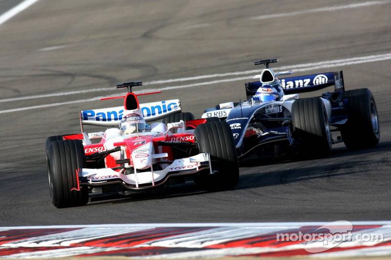Jarno Trulli y Nico Rosberg