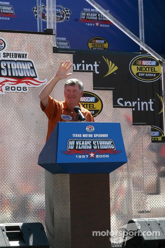 Mack Brown parle avant la course