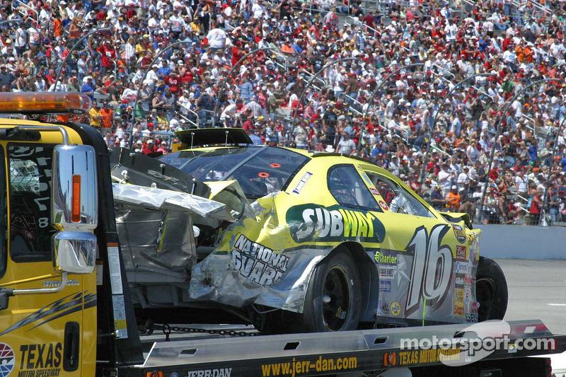 La voiture de Greg Biffle en arrière