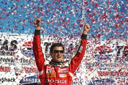 Confetti in the shape of Texas surrounds winner Kasey Kahne