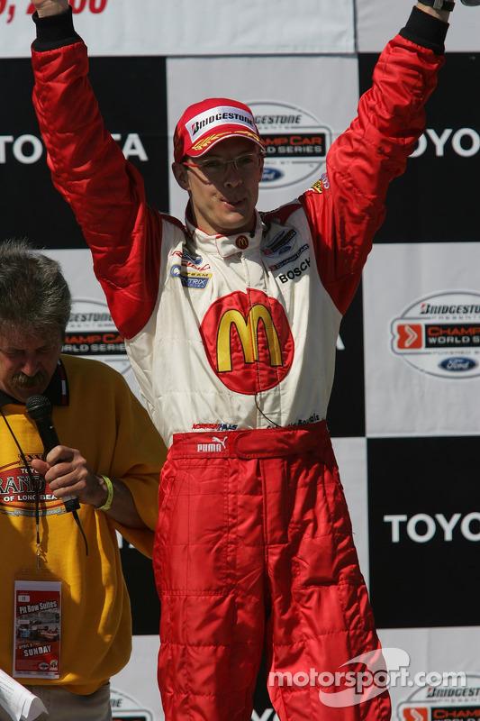 Podium : le vainqueur Sébastien Bourdais fête sa victoire
