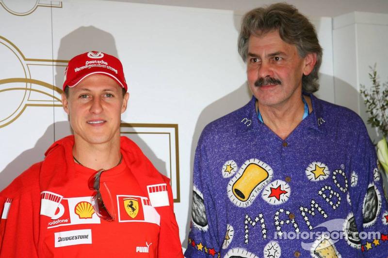 Michael Schumacher avec Gordon Murray, l'ancien designer de Brabham et McLaren