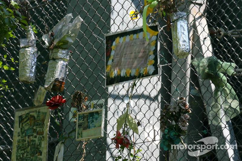 Hommage à Ayrton Senna à Tamburello